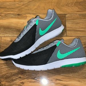 😱 MENS SIZE 10.5 NIKE FLEX EXPERIENCE SNEAKERS